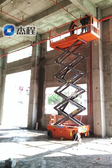 10米剪叉升降机出租应用