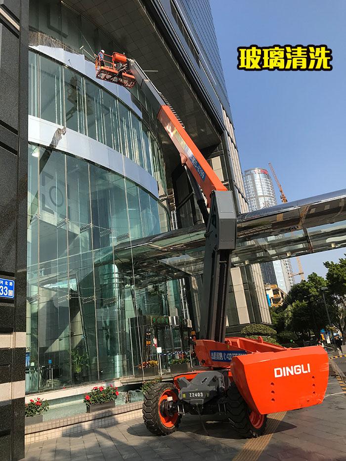 直臂车出租应用于玻璃清洗